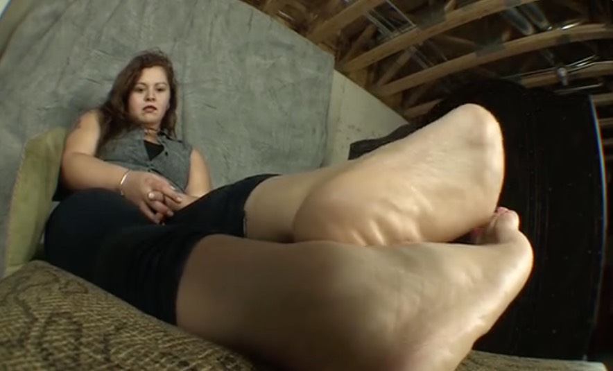 Stinky BBW Latina Feet